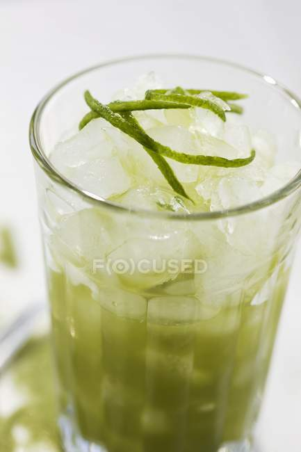 Ice-cold green tea — Stock Photo