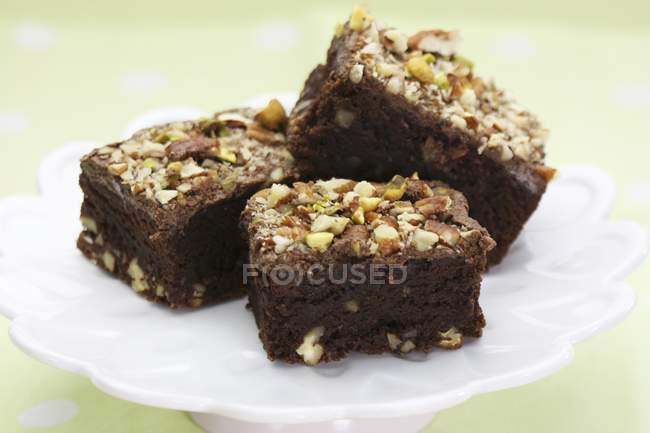 Brownies al cioccolato con noci tritate — Foto stock