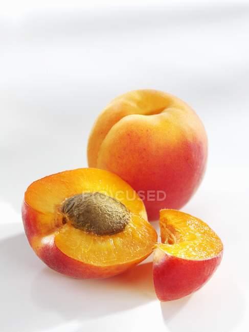 Fresh ripe apricots — Stock Photo