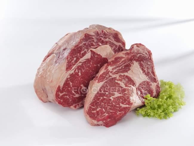 RAW Entrecotes яловичини — стокове фото