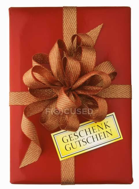 Closeup Top View Of Red Gift Box With Bow And Geschenk