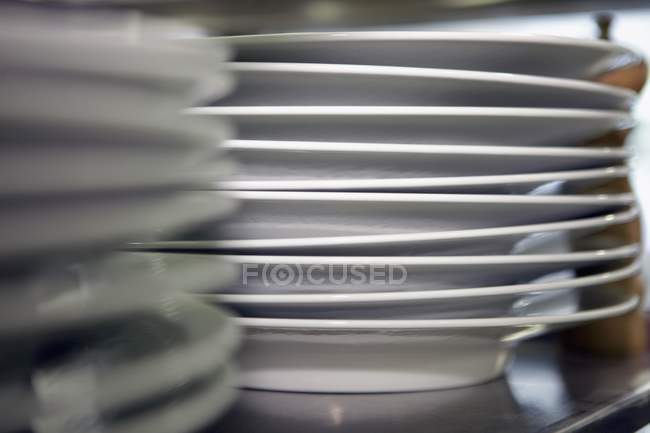 Plates in a commercial kitchen — Stock Photo