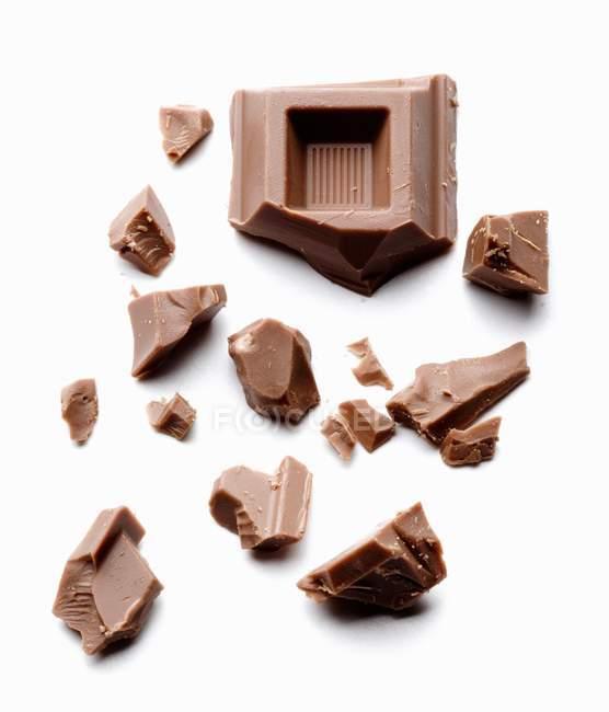 Morceaux de chocolat noir — Photo de stock