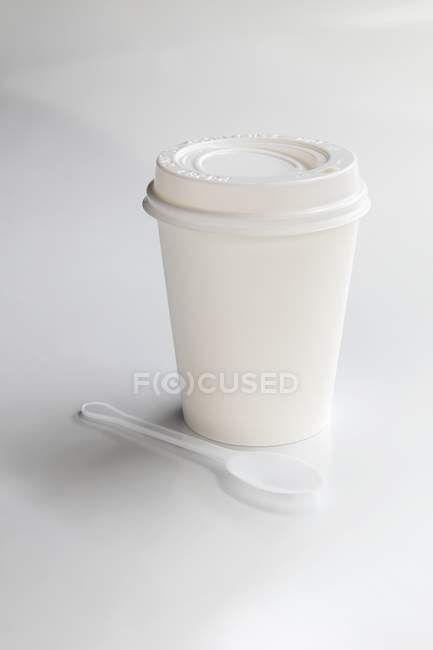 Takeaway coffee cup — Stock Photo