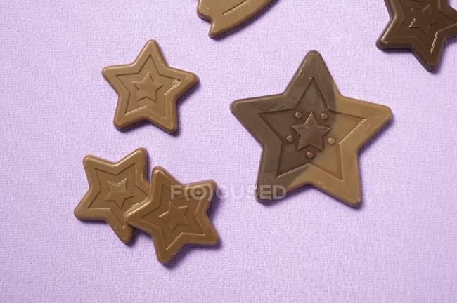 Estrelas escuras de chocolate — Fotografia de Stock