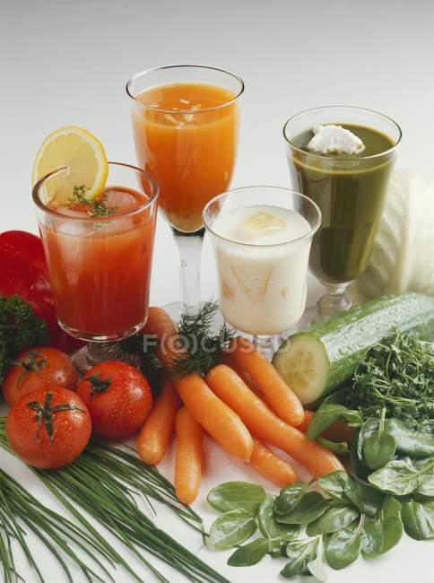 Verdure e succhi di verdura — Foto stock