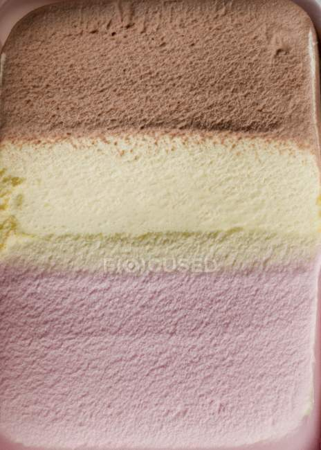 Неаполитанское мороженое — стоковое фото