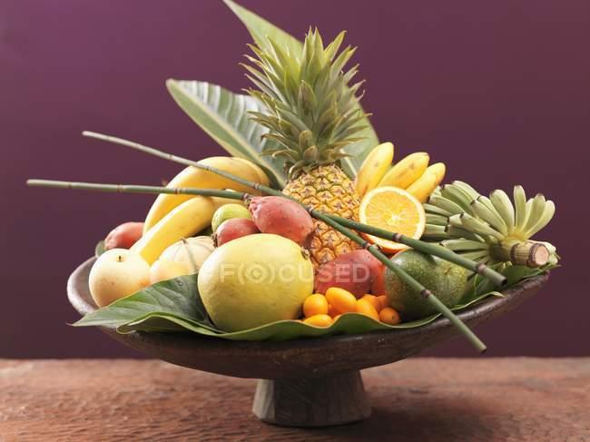 Natura morta di frutta esotica — Foto stock