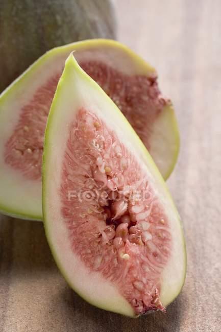Quarters of fresh figs — Stock Photo