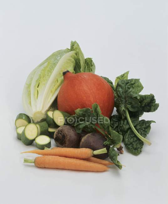 Légume nature morte sur fond blanc — Photo de stock