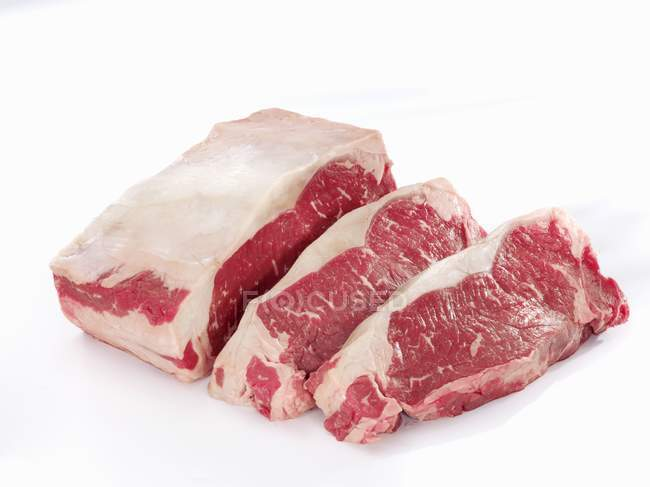 Sliced Raw sirloin of beef — Stock Photo