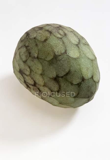 Fresh whole cherimoya fruit — Stock Photo