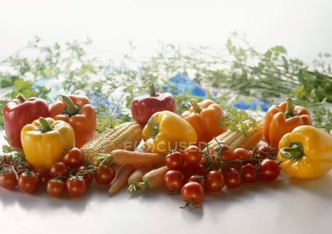 Bodegón vegetal de verano - foto de stock