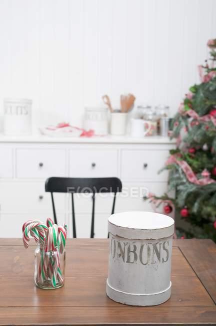 Canne di caramella & tin cookie — Foto stock