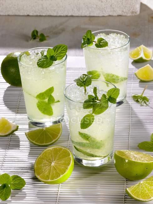 Leckeren Mojito cocktails — Stockfoto
