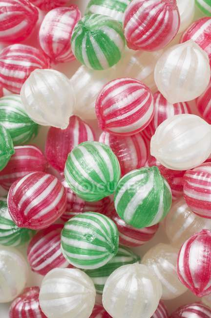 Peppermints doces coloridos — Fotografia de Stock