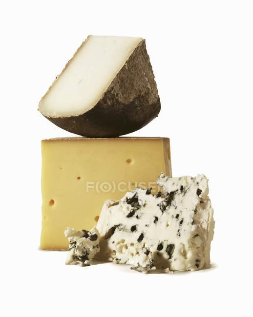 Три ассорти сыров — стоковое фото