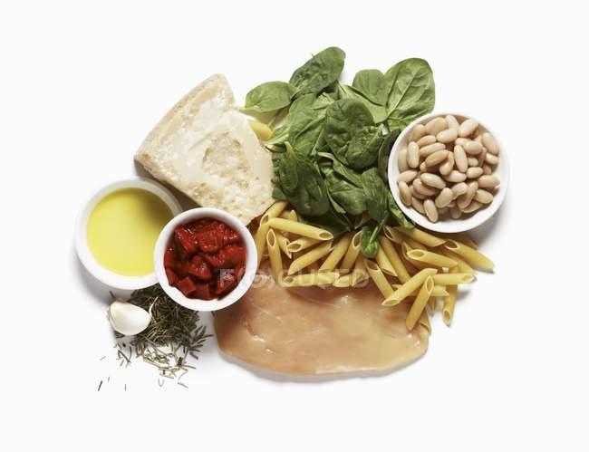 Ingredients for chicken pasta dinner — Stock Photo