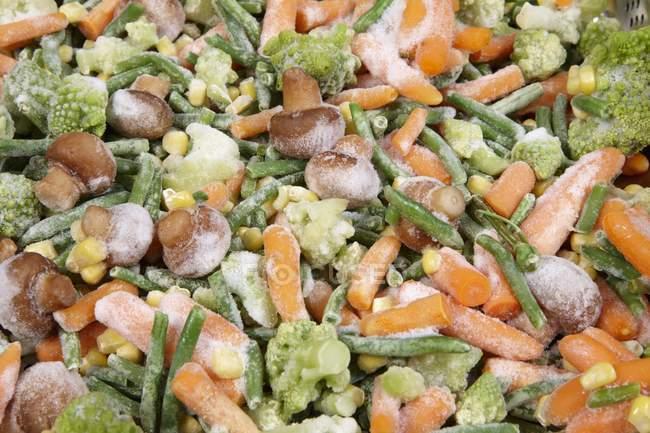Различные замороженные овощи, полный кадр — стоковое фото