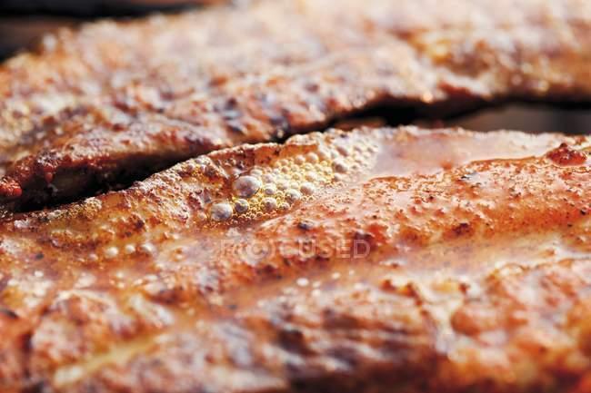 Alla griglia marinato pancetta di maiale — Foto stock