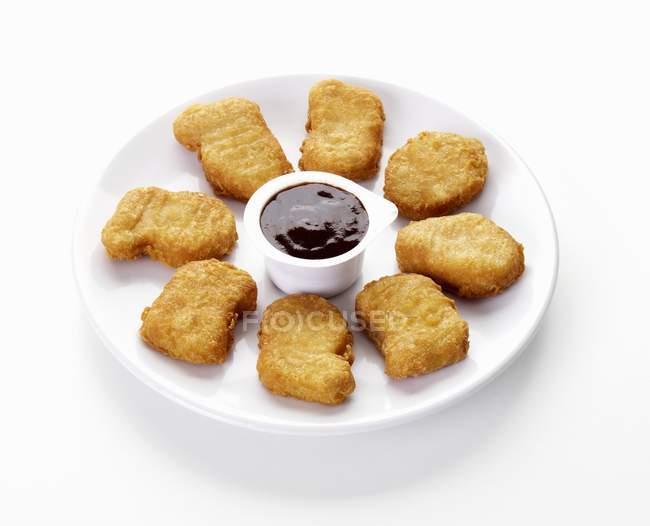 Chicken Nuggets mit Dip — Stockfoto