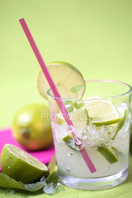 Caipirinha with slice of lime — Stock Photo