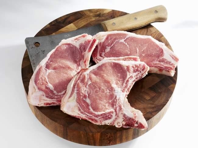 Телятина на косточке с мясом — стоковое фото