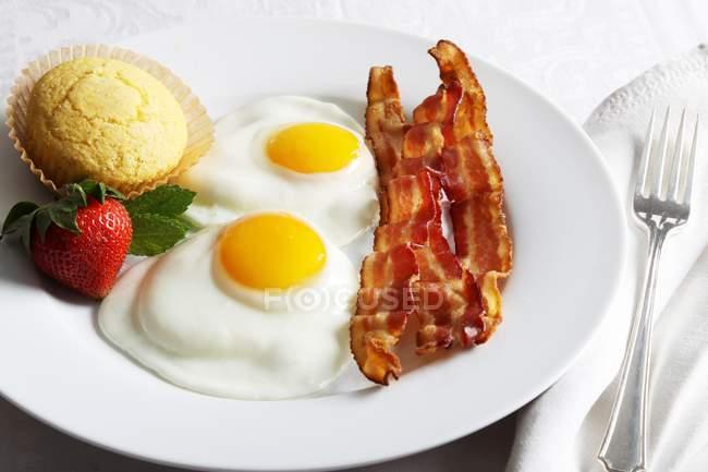 Breakfast of Fried Eggs — Stock Photo