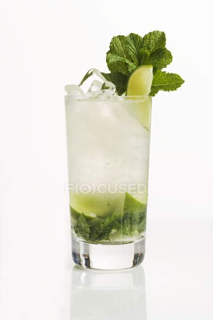 Mojito cocktail in glass — Stock Photo