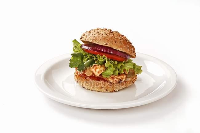 Chicken Satay burger — Stockfoto