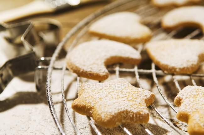 Печенье, посыпать сахарной пудрой — стоковое фото