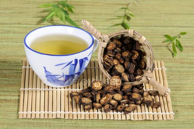 Notopterygium Wurzel Tee — Stockfoto