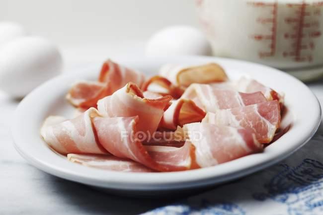 Strisce di pancetta cruda — Foto stock
