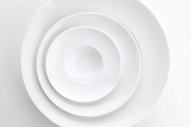 Stapel von Platten von oben gesehen — Stockfoto