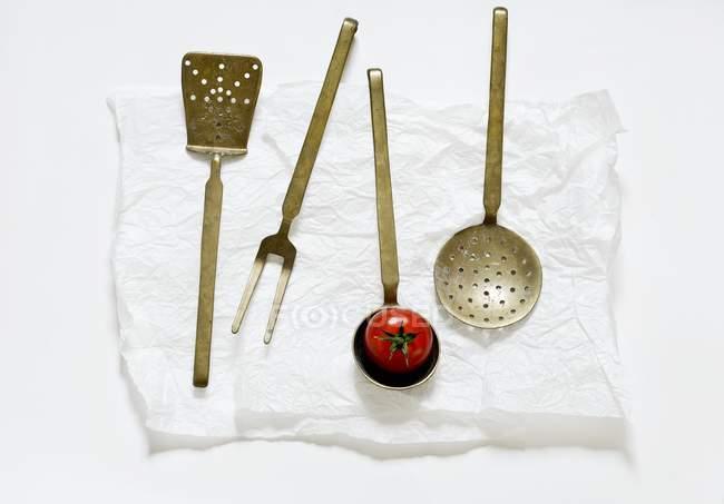 Vecchi utensili da cucina — Foto stock | #151118766