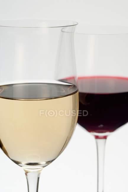 Vinho tinto e branco — Fotografia de Stock