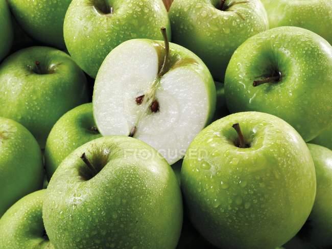 Granny Smith green apples — Stock Photo