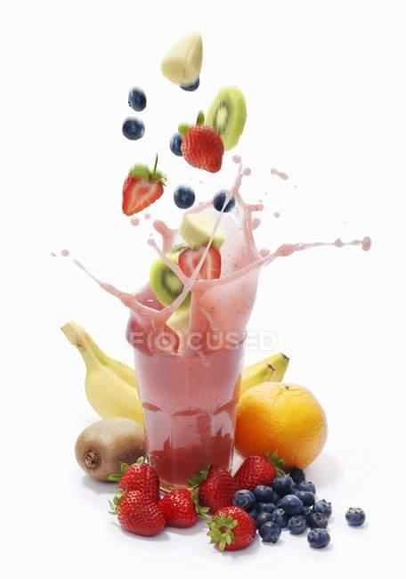 Splash of banana smoothie — стоковое фото