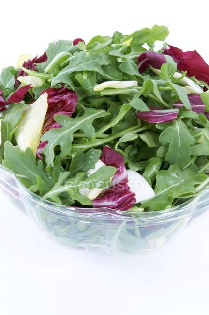 Bowl of Salad with Arugula and Red Cabbage  on white background — Stock Photo
