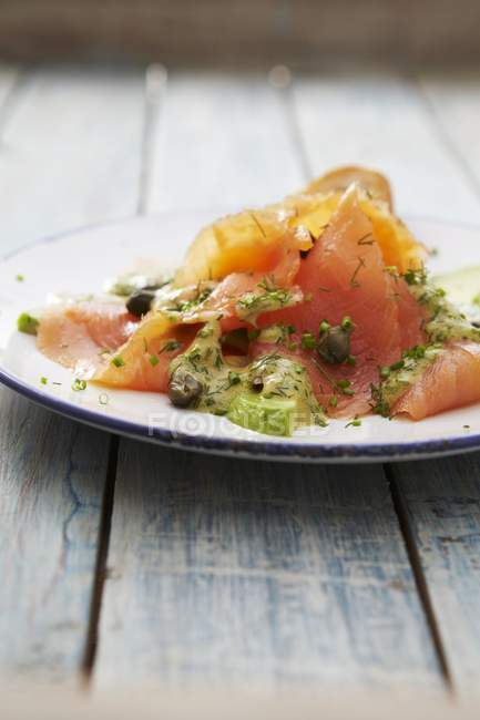 Carpaccio de saumon à la moutarde — Photo de stock