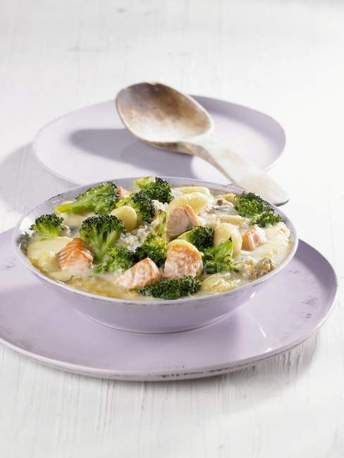 Gnocchi with salmon and broccoli — Stock Photo