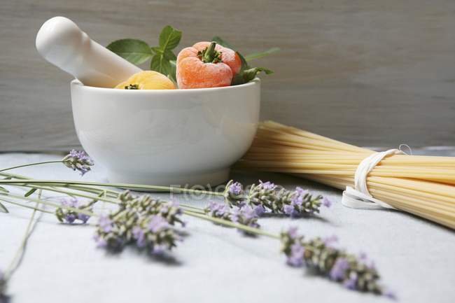 Lavender and raw pasta — Stock Photo