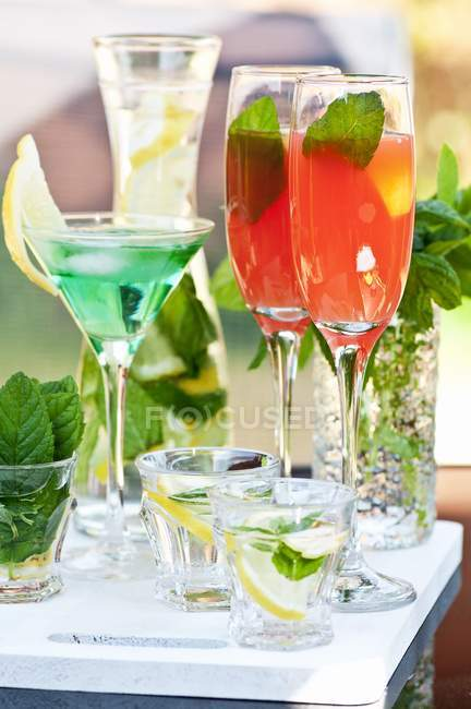 Various cocktails on tray — Stock Photo