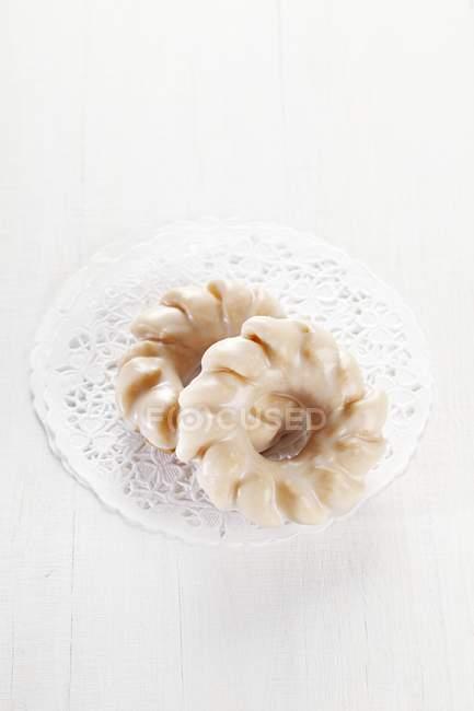 Пончики с сахарной пудрой — стоковое фото