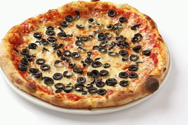 Pizza Margherita with black olives — Stock Photo