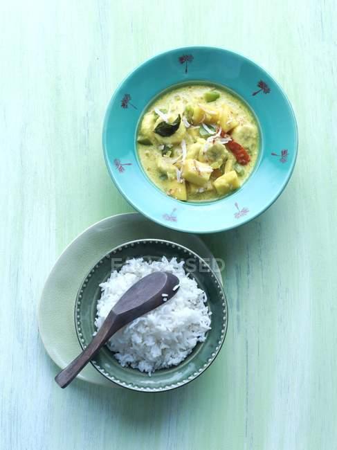 Curry al cocco con riso — Foto stock