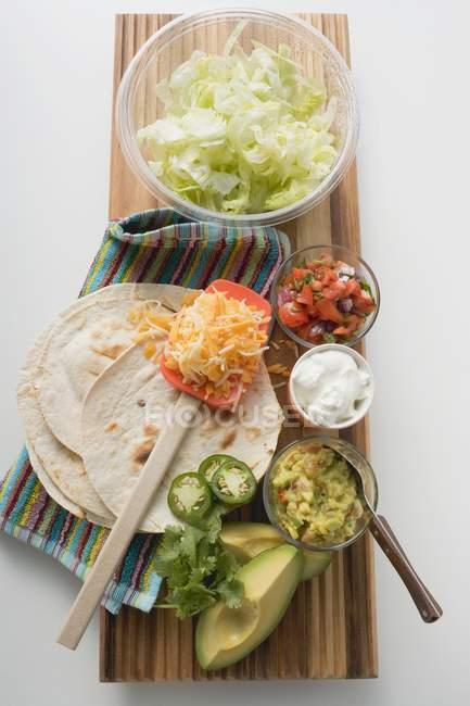 Ингредиенты для блюда мексиканской кухни — стоковое фото