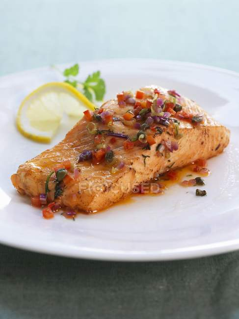 Salmon fillet with salsa — Stock Photo