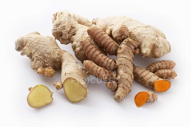 Fresh ginger and turmeric roots — Stock Photo