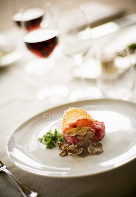 Carne cruda all'albese — Foto stock